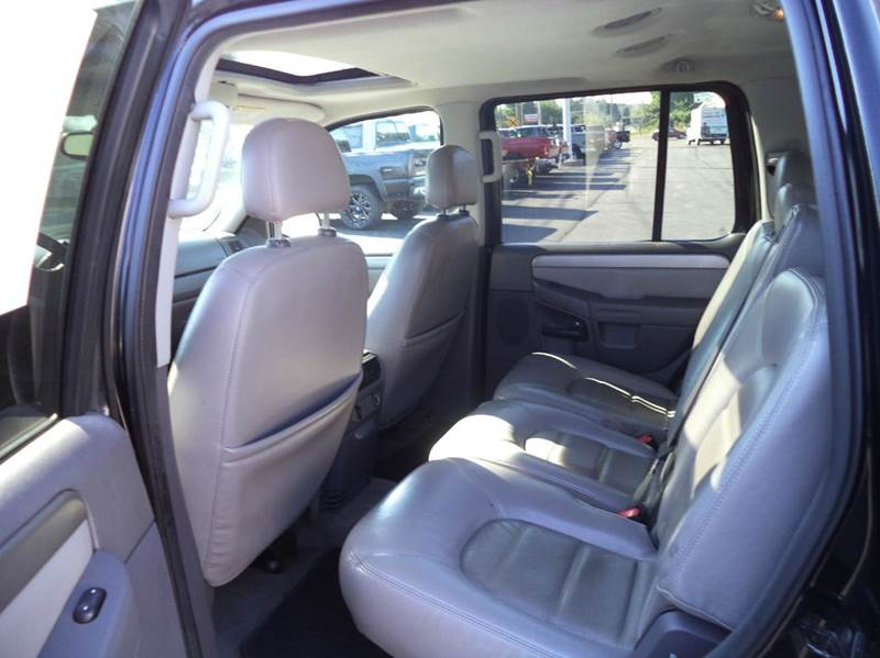 2004 Ford Explorer XLT 4WD SUV - Suffield CT
