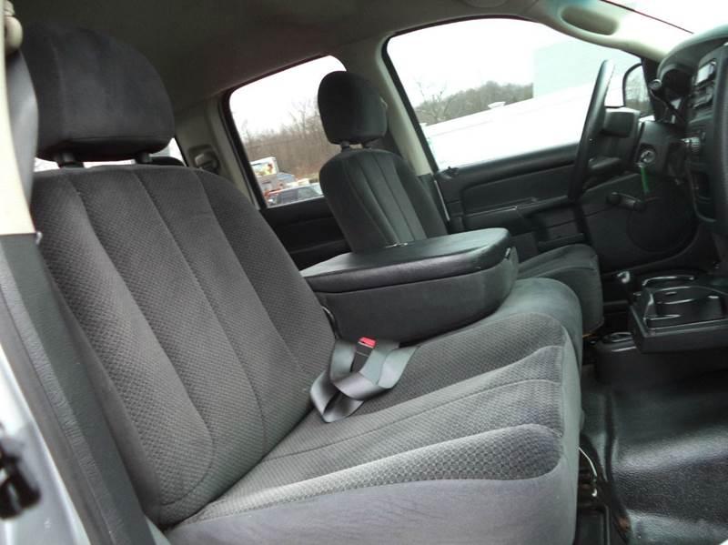 2004 Dodge Ram Pickup 1500 ST 4dr Quad Cab 4WD SB - Suffield CT