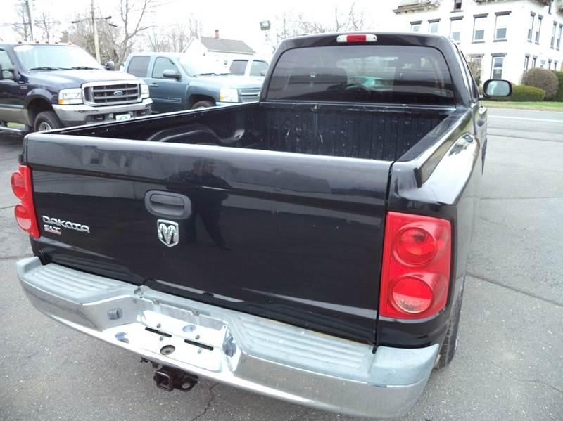 2005 Dodge Dakota 4WD SLT 4dr Club Cab SB - Suffield CT