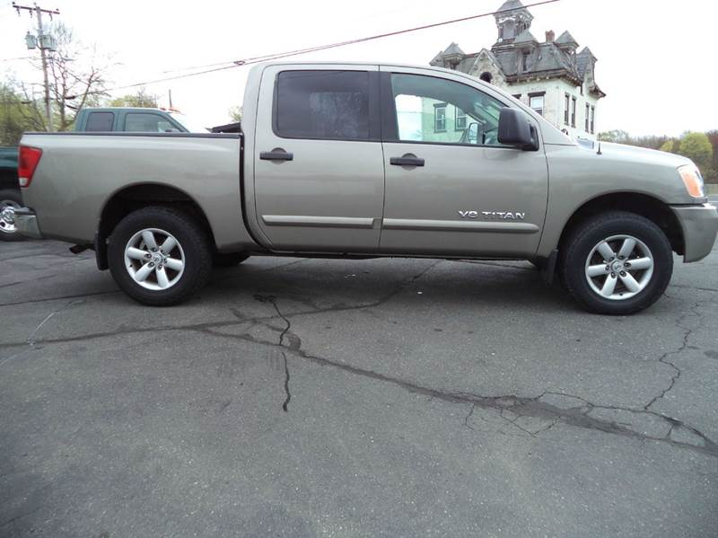 2008 Nissan Titan SE 4x4 Crew Cab Short Bed 4dr (2008.5) - Suffield CT