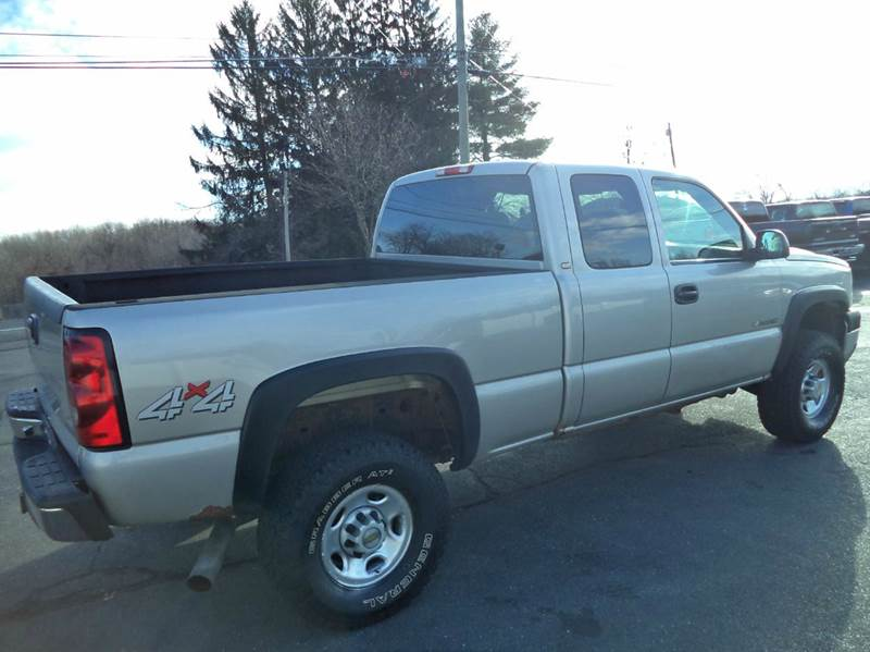 2005 Chevrolet Silverado 2500HD 4dr Extended Cab 4WD SB - Suffield CT