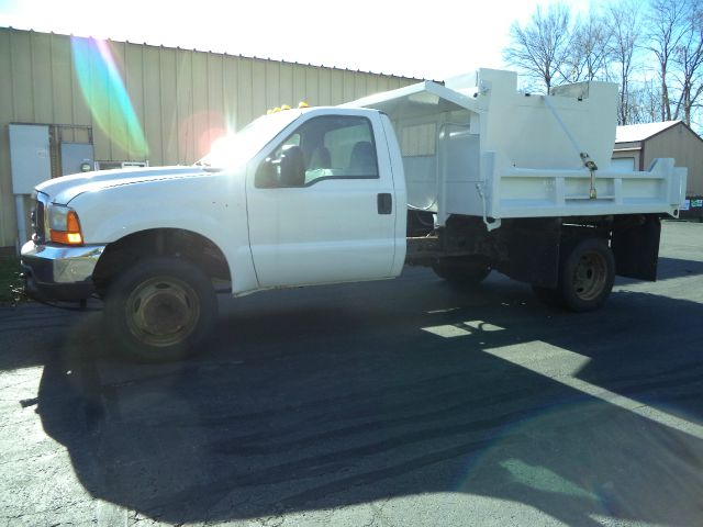 2001 Ford F-450  - Suffield CT