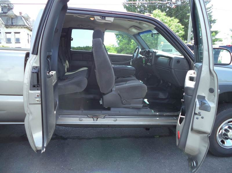 2007 Chevrolet Silverado 2500HD Classic LS 4dr Extended Cab 4WD SB - Suffield CT