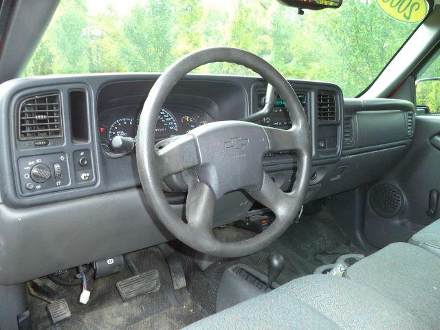 2006 Chevrolet Silverado 1500 Regular Cab 4WD 8 ft. LB - Suffield CT