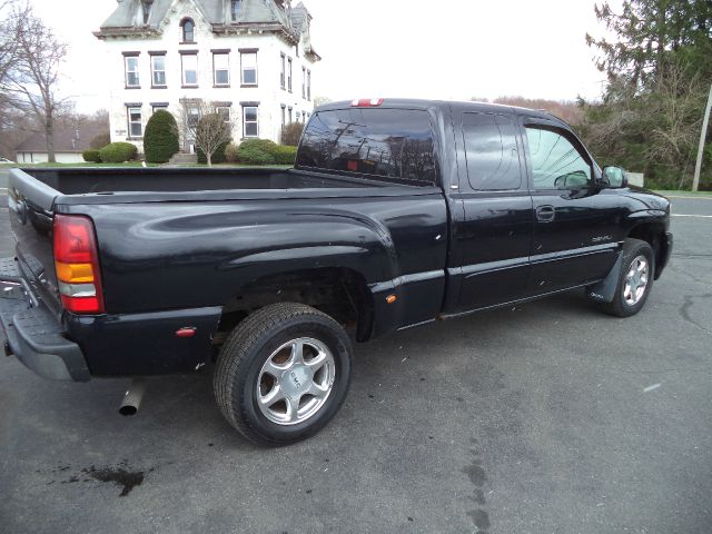 2003 GMC Sierra 1500 Denali AWD 4dr Extended Cab SB - Suffield CT