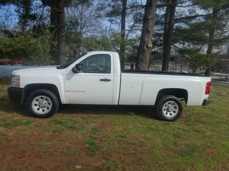 2009 chevrolet silverado 1500 work truck 4x2 2dr regular cab 8 ft lb in winston salem nc. Black Bedroom Furniture Sets. Home Design Ideas