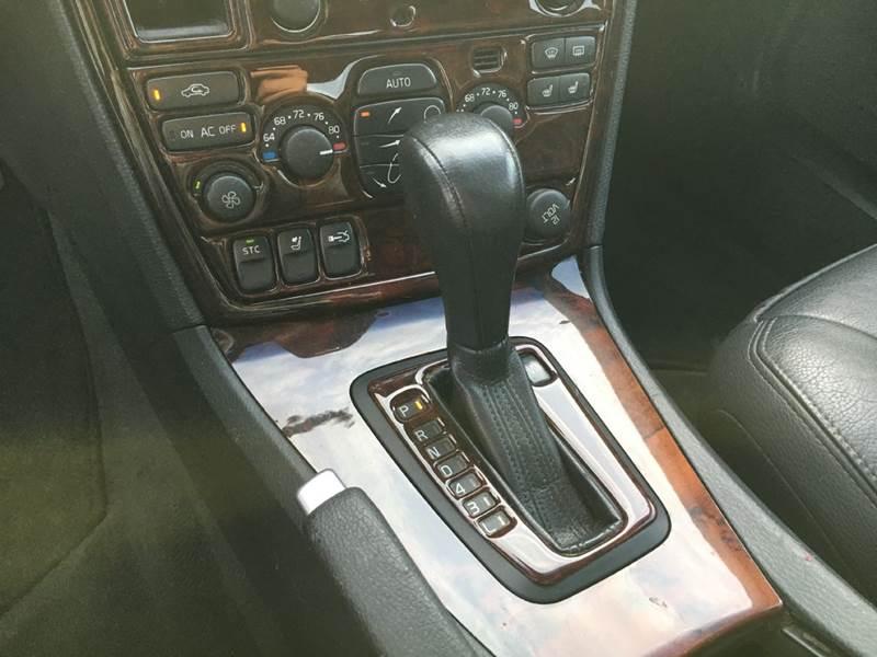 2006 Volvo S60 2.5T 4dr Sedan - Murphysboro IL