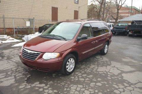 2007 Chrysler Town and Country for sale in Hartford, CT