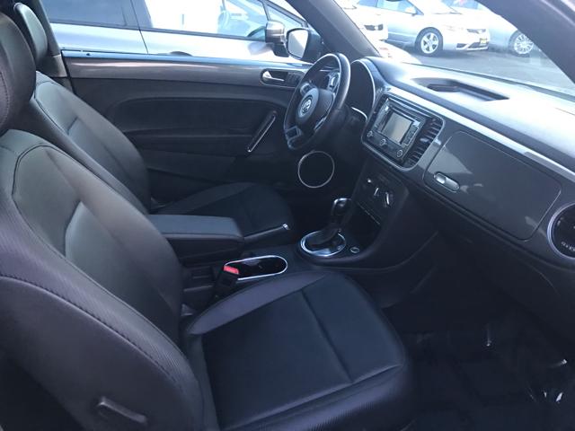 2012 Volkswagen Beetle 2.5L PZEV 2dr Hatchback 6A w/ Sound and Navigation - Modesto CA