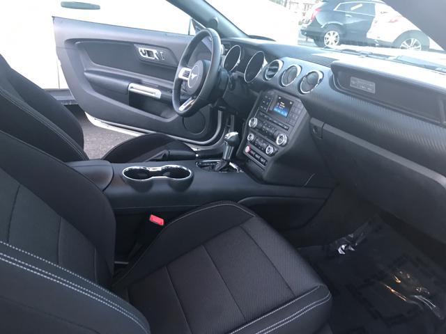 2015 Ford Mustang V6 2dr Fastback - Modesto CA