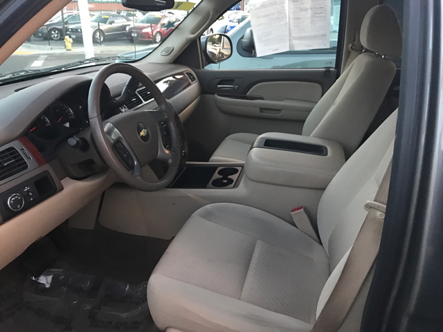2009 Chevrolet Avalanche LT 4x2 4dr Crew Cab Pickup w/ 2LT - Modesto CA