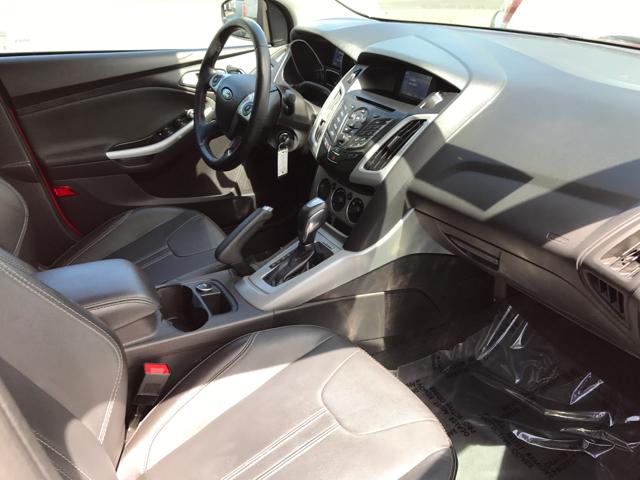 2014 Ford Focus SE 4dr Sedan - Modesto CA