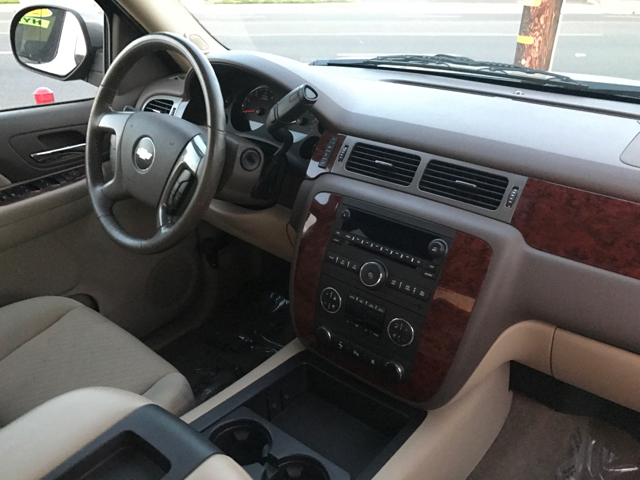 2009 Chevrolet Avalanche 4x2 LT 4dr Crew Cab Pickup w/ 2LT - Modesto CA