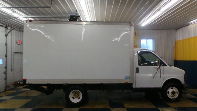 2001 Chevrolet Cutaway Cargo