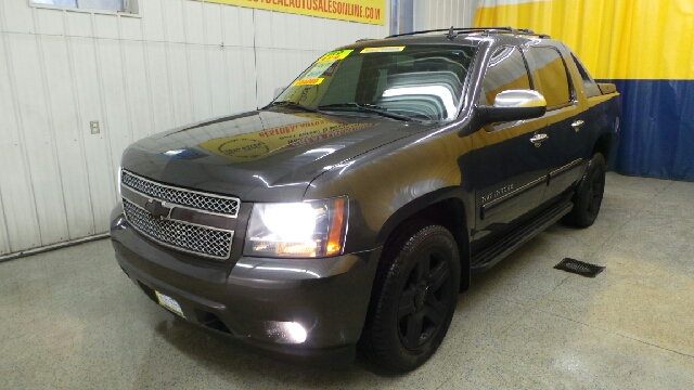 2011 Chevrolet Avalanche 4x4 LT 4dr Crew Cab Pickup - Fort Wayne IN