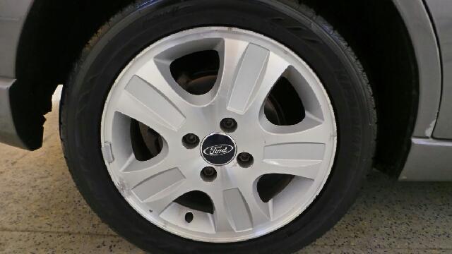 2005 Ford Focus ZX4 ST 4dr Sedan - Fort Wayne IN