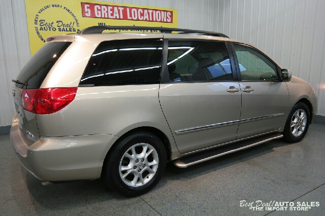 2006 Toyota Sienna XLE Limited 7 Passenger 4dr Mini Van - Fort Wayne IN