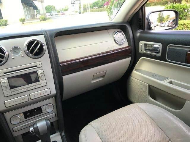 2009 Lincoln MKZ 4dr Sedan - Richardson TX
