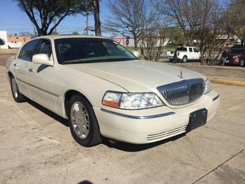 2006 Lincoln Town Car for sale in Richardson, TX