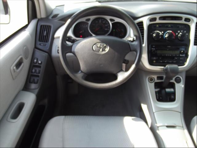 2004 Toyota Highlander  - Raleigh NC