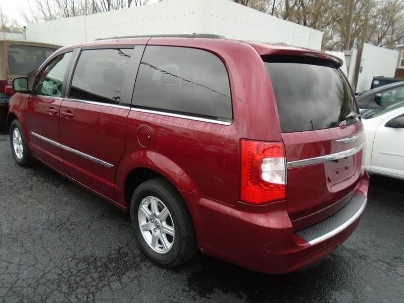 2012 Chrysler Town and Country Touring 4dr Mini-Van - Cottage Hills IL