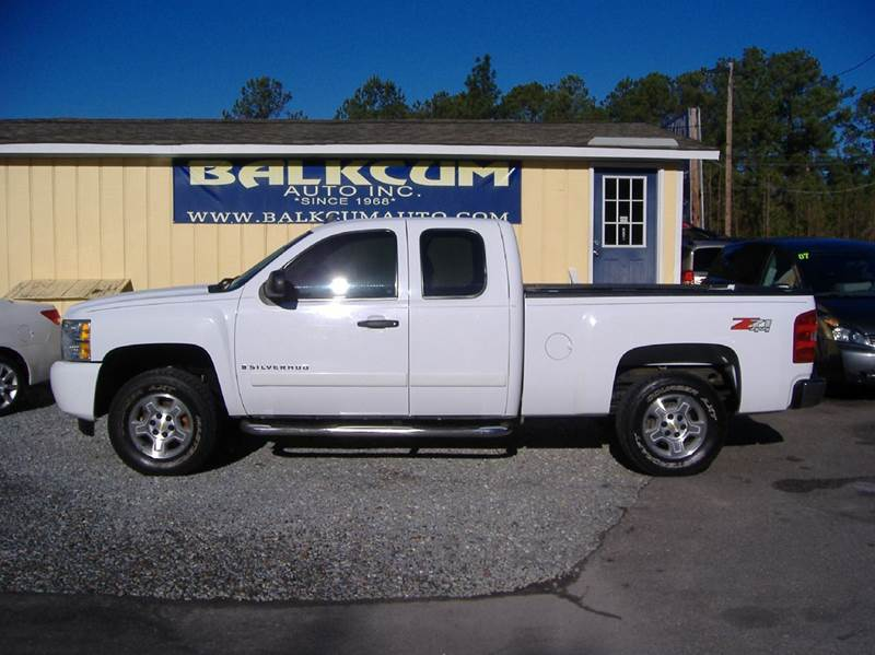 2008 chevrolet silverado 1500 4wd lt1 4dr extended cab 8 ft lb in wilmington nc balkcum auto. Black Bedroom Furniture Sets. Home Design Ideas