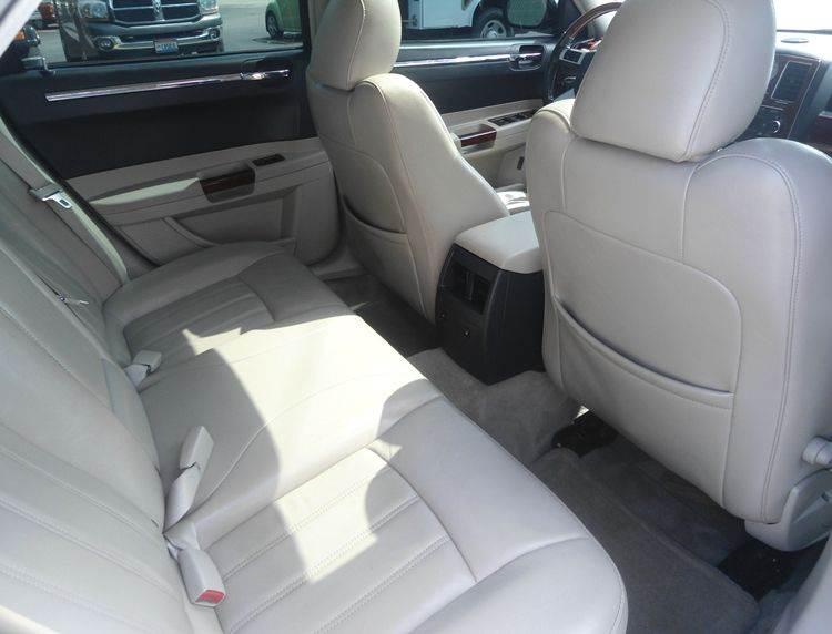 2007 Chrysler 300 C 4dr Sedan - Greenfield OH