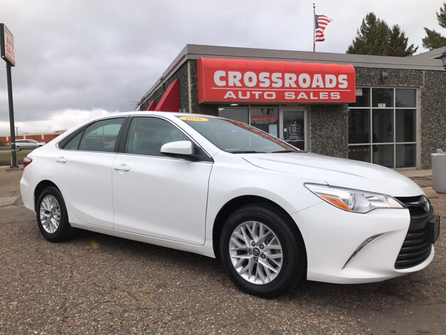2016 toyota camry le 4dr sedan in eau claire wi crossroads auto sales. Black Bedroom Furniture Sets. Home Design Ideas