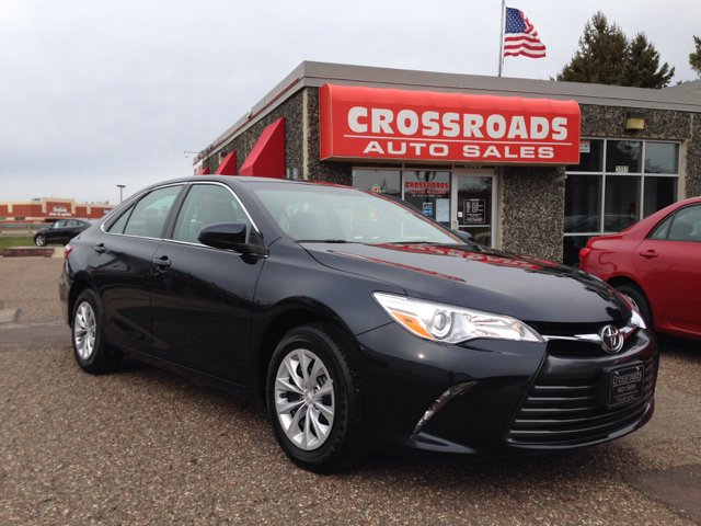2015 toyota camry le 4dr sedan in eau claire wi crossroads auto sales. Black Bedroom Furniture Sets. Home Design Ideas