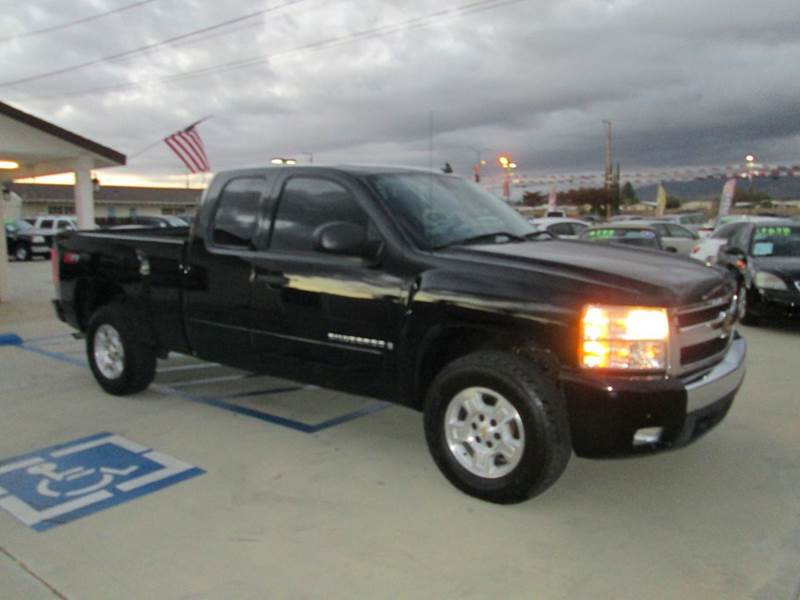 2007 chevrolet silverado 1500 lt1 4dr extended cab 4wd 6 5 ft sb in banning ca auto source. Black Bedroom Furniture Sets. Home Design Ideas