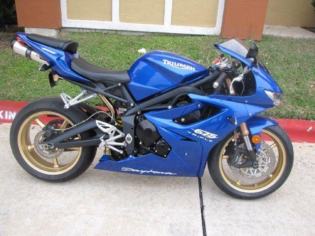 2011 Triumph DAYTONA 675