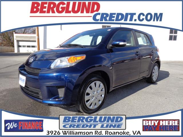 2010 Scion xD