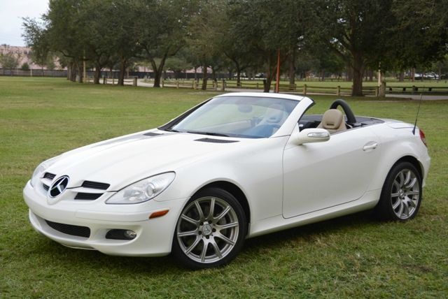 2006 MERCEDES-BENZ SLK-CLASS ROADSTER 35L white gorgeous mercedes slk350 roadstervery well ke