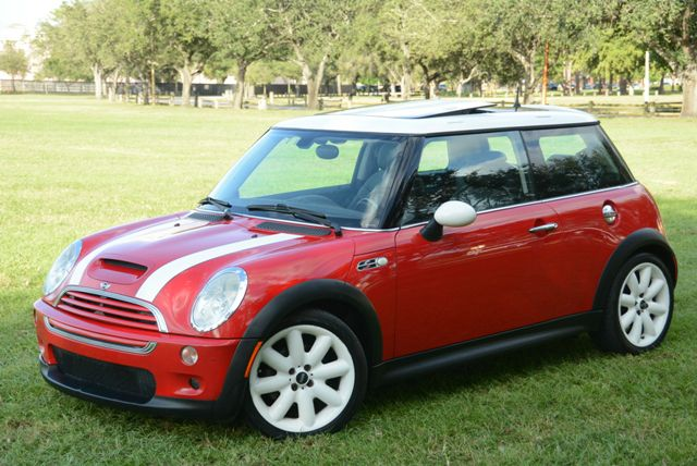 2003 MINI COOPER S red awesome mini cooper sonly 1 none smoker ownerclean carfax certif