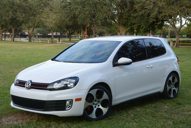 2011 VOLKSWAGEN GTI HB 6SPD AUTOBAHN candy white this low mileage vw gti is a must seeit featu