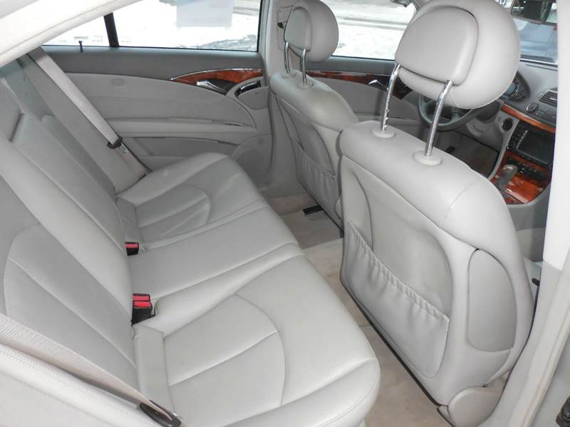2004 Mercedes-Benz E-Class E320 4MATIC AWD 4dr Sedan - Flushing MI