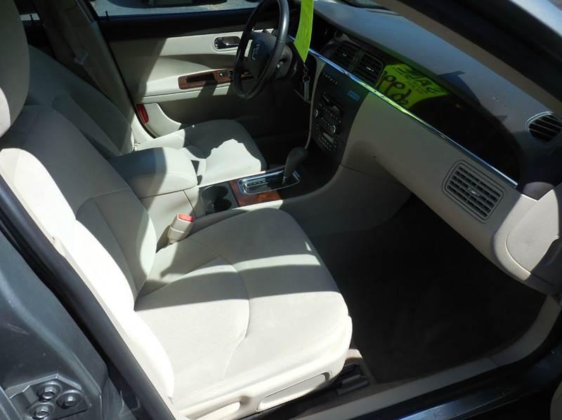 2009 Buick LaCrosse CX 4dr Sedan - Flushing MI