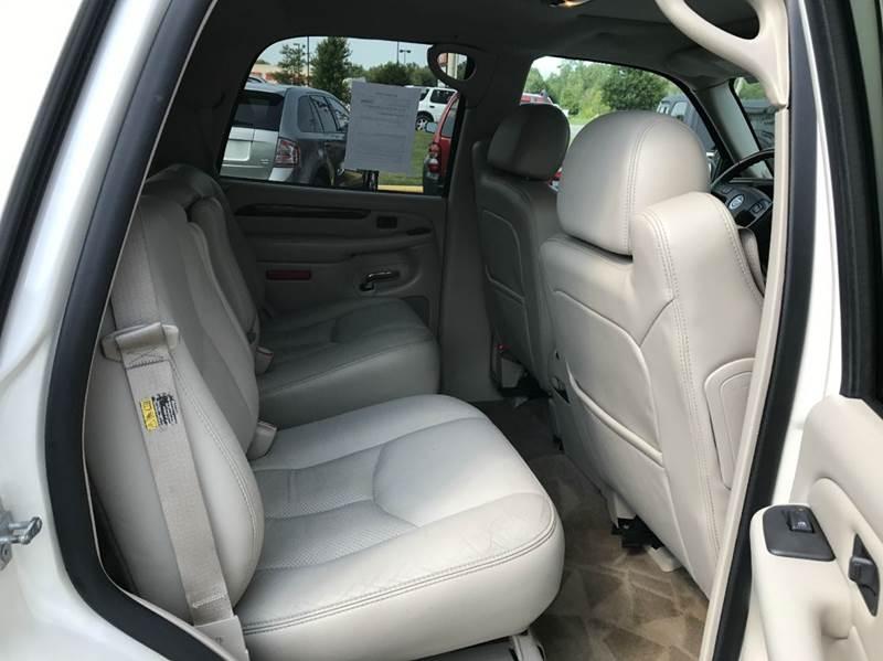 2004 Cadillac Escalade AWD 4dr SUV - Flushing MI