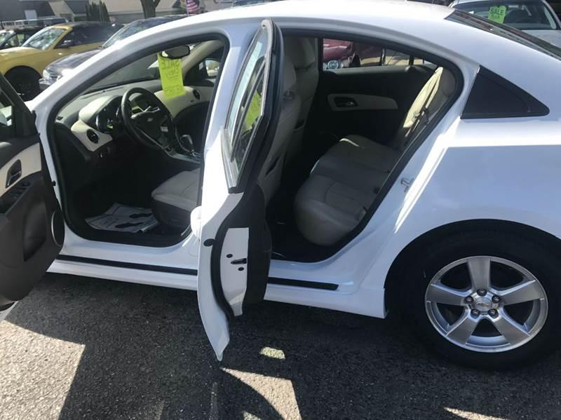 2011 Chevrolet Cruze LT 4dr Sedan w/2LT - Flushing MI