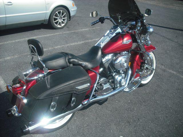 2004 Harley-Davidson Road King Classic FI