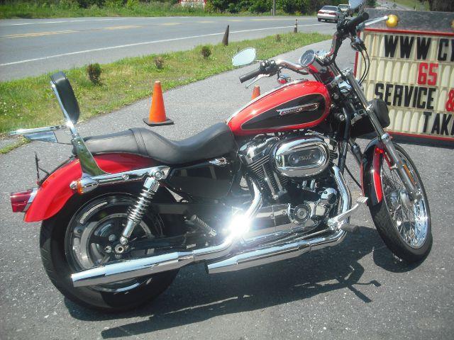 2010 Harley-Davidson XL1200C Sportster Custom