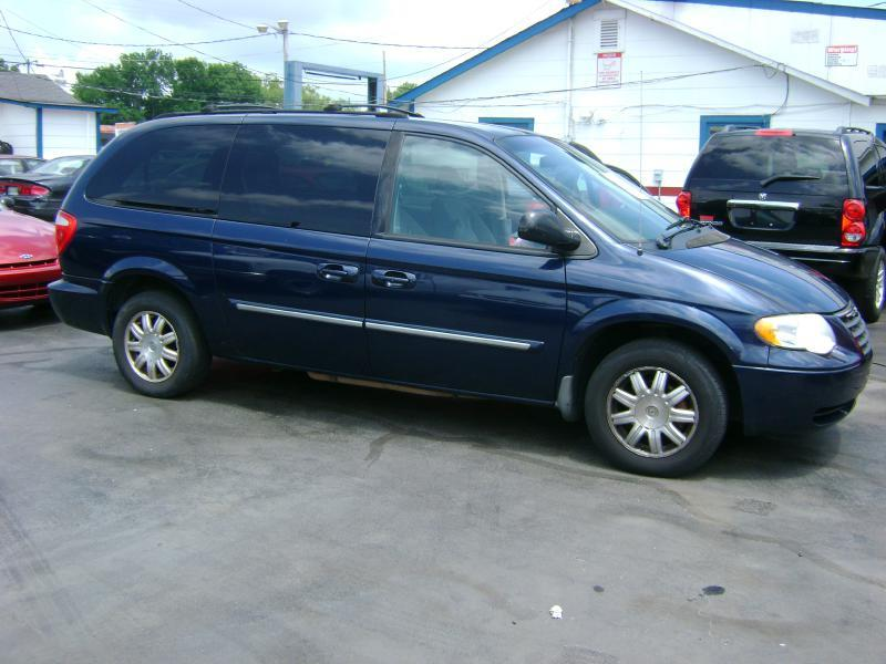2006 chrysler town and country touring 4dr extended mini van in lebanon tn cars unlimitedinc. Black Bedroom Furniture Sets. Home Design Ideas