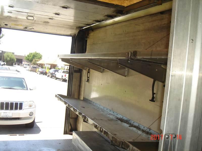 2002 Freightliner MT45  - Huntington Beach CA