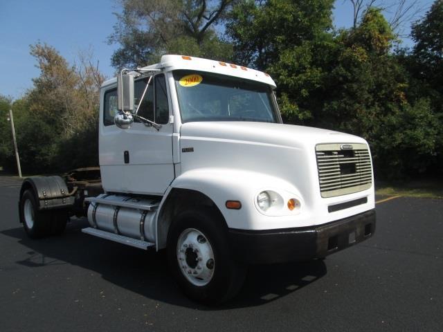 2000 Freightliner FL112