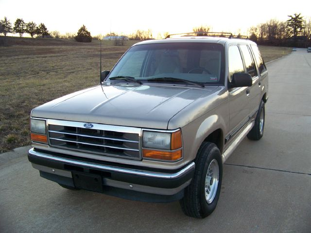 1994 Ford Explorer XLT 4-Door 4WD - TROY MO