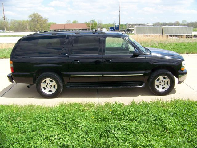 2004 chevrolet suburban 1500 lt 4wd 4dr suv in troy saint. Black Bedroom Furniture Sets. Home Design Ideas