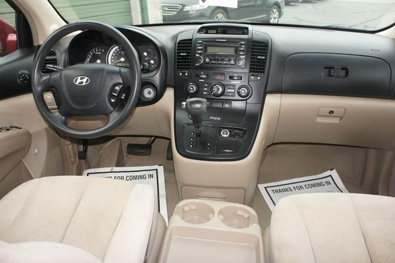 2007 Hyundai Entourage Limited 4dr Mini-Van - Springfield MO