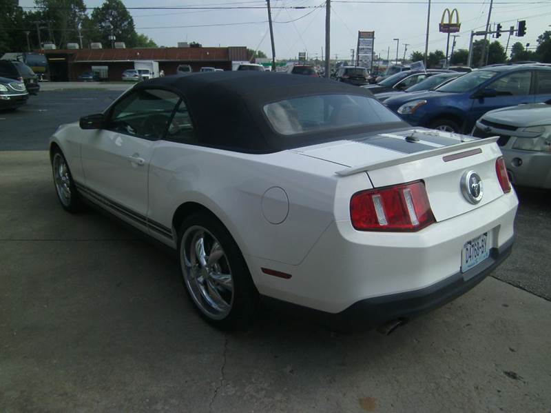 2011 Ford Mustang V6 2dr Convertible - Springfield MO