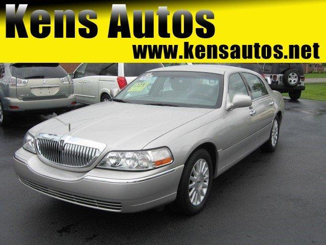 2004 Lincoln Town Car for sale in PARIS KY