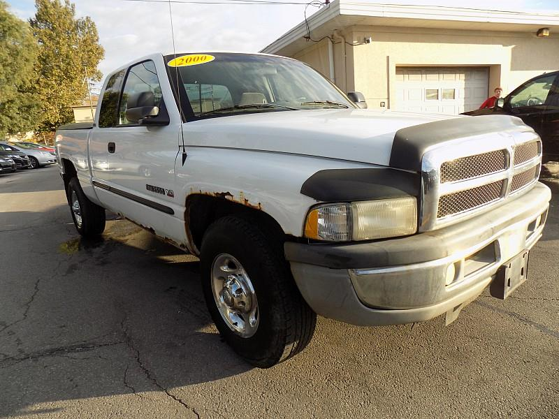2000 Dodge Ram Pickup 2500 car for sale in Detroit